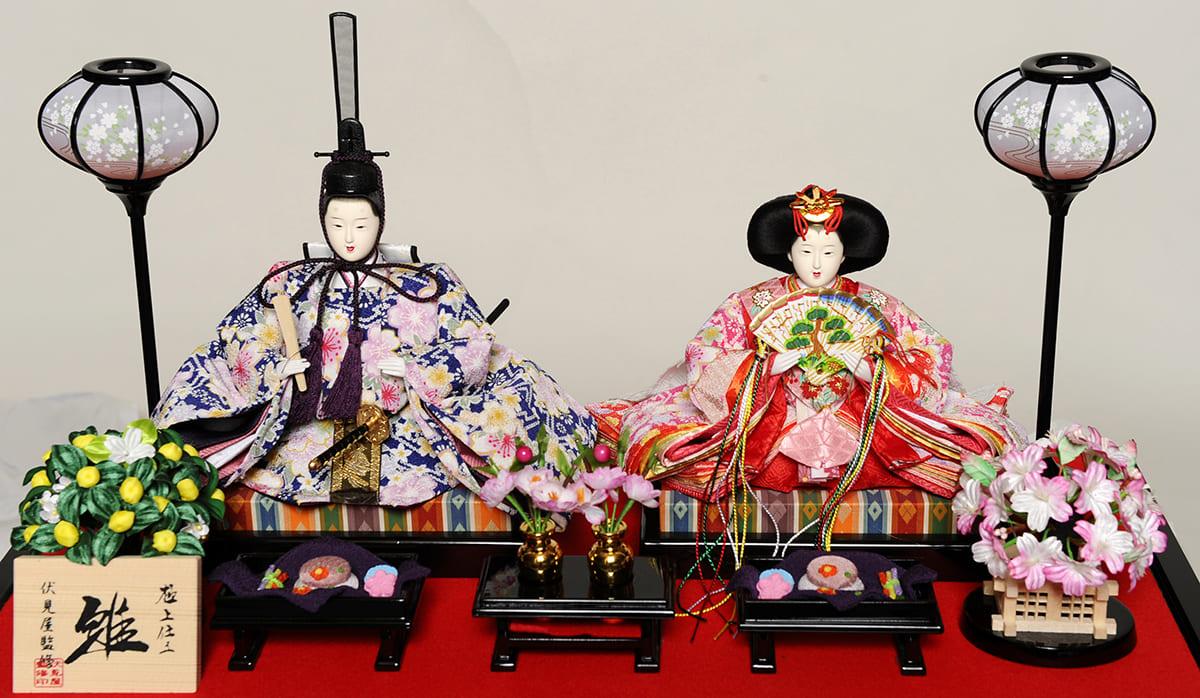 Muñecas del emperador y la emperatriz de Japón del Hinamatsuri