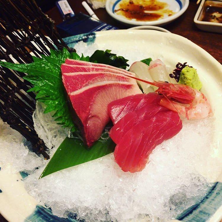 Sashimi de atún, uno de los 13 platos típicos de Japón