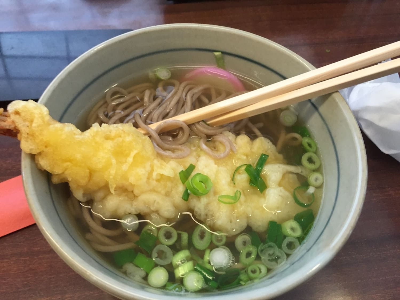 Soba de Tempura, uno de los 13 platos típicos de Japón